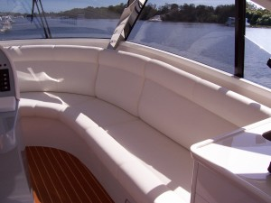 Precision Cruiser Flybridge Lounge 58 (1)